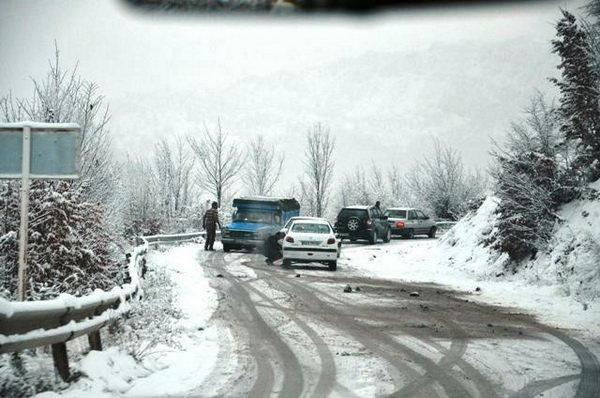 تردد در کلیه محورهای آذربایجان غربی در جریان است