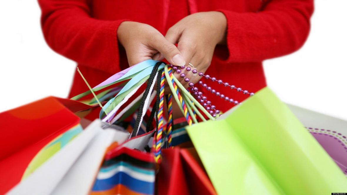 اشتباهات پولی خانم ها در هنگام خرید