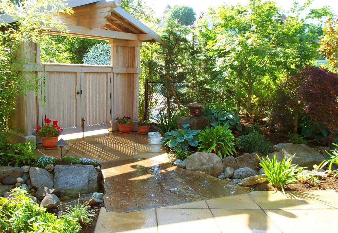 10 نکته مهم که برای اجاره خانه حیاط دار باید به آن ها توجه کرد
