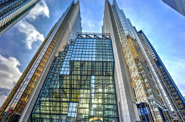 بهترین نمونه های استفاده از شیشه در معماری و نمای ساختمان