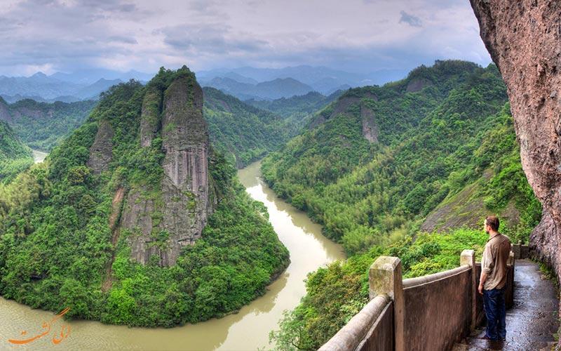 تجربه طبیعتی مرموز در پارک جنگلی ملی تیان من چین!