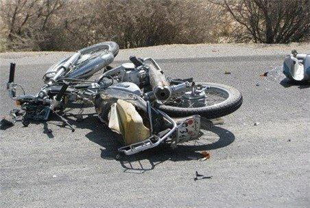 2 موتورسوار در پی برخورد با مینی بوس در جاده بافق جانشان را ازدست دادند