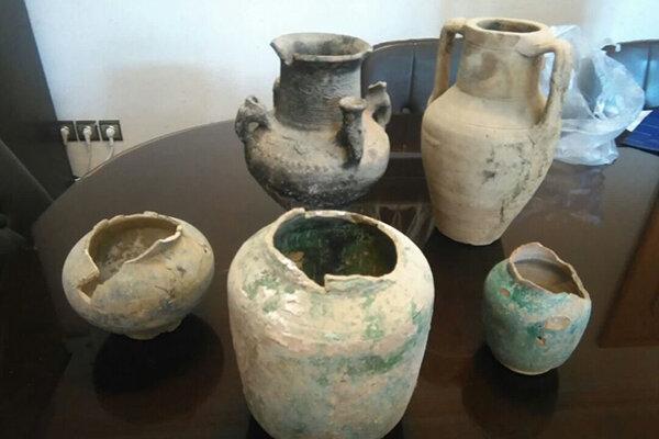 اشیای عتیقه و سکه های قدیمی در نیشابور کشف شد
