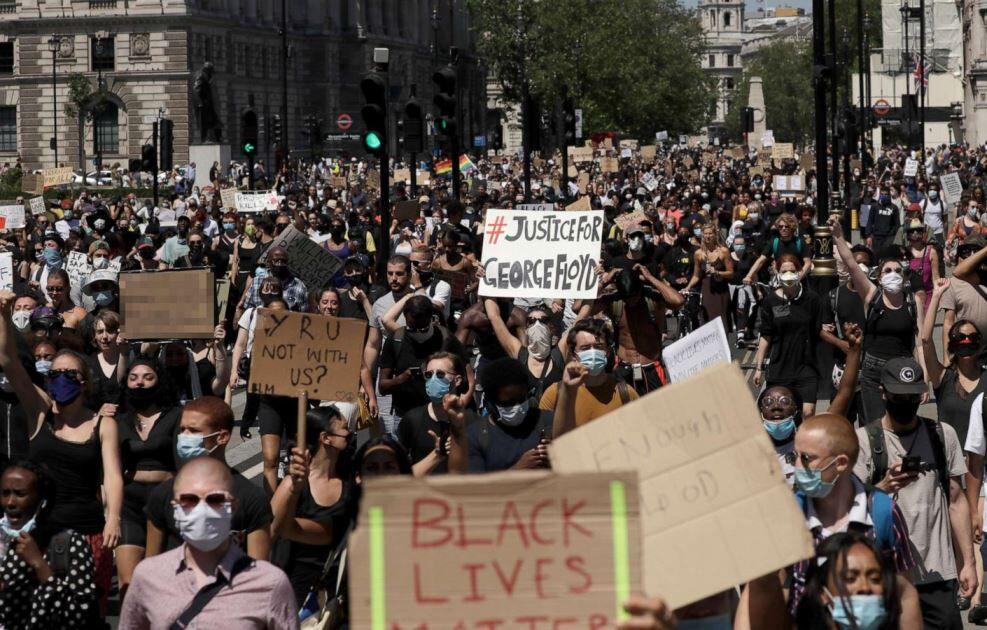 خبرنگاران 74 درصد آمریکایی ها مرگ فلوید را نشانه بی عدالتی نژادی می دانند
