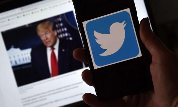 حذف عنوان رئیس جمهور از حساب کاربری ترامپ در شبکه توئیتر