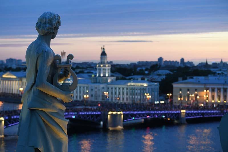 چرا ملاقات از سن پترزبورگ نسبت به مسکو در اولویت واقع شده است؟