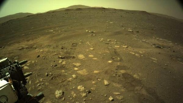 کاوشگر استقامت روی مریخ حرکت کرد